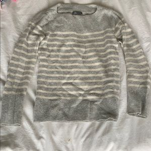 Vince cashmere grey and white sweater sz Small